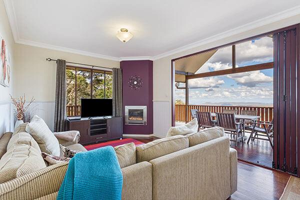 Living | Holiday Mountain Retreat | Queensland | Ravensbourne Escape
