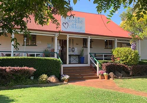Chocolate Cottage | Holiday Mountain Retreat | Queensland | Ravensbourne Escape