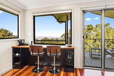 Bar | Holiday Mountain Retreat | Queensland | Ravensbourne Escape