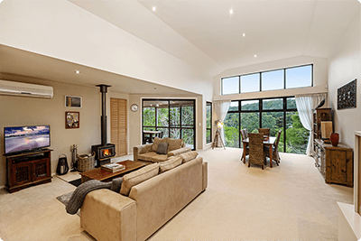 Living Space | Holiday Mountain Retreat | Queensland | Ravensbourne Escape