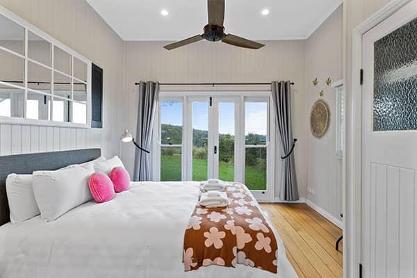 Bed | Holiday Mountain Retreat | Queensland | Ravensbourne Escape