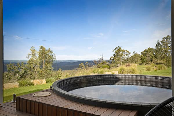 Spa | Holiday Mountain Retreat | Queensland | Ravensbourne Escape